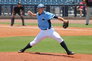 Brad Schreiber pitched his ninth straight scoreless outing.  (Photo: Jim Donten)